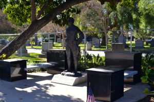 Patton Bronze with flag