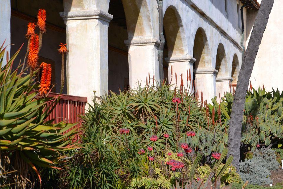 Exterior courtyard Santa Barbara Mission