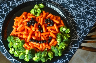 Baby carrots, broccoli and olives